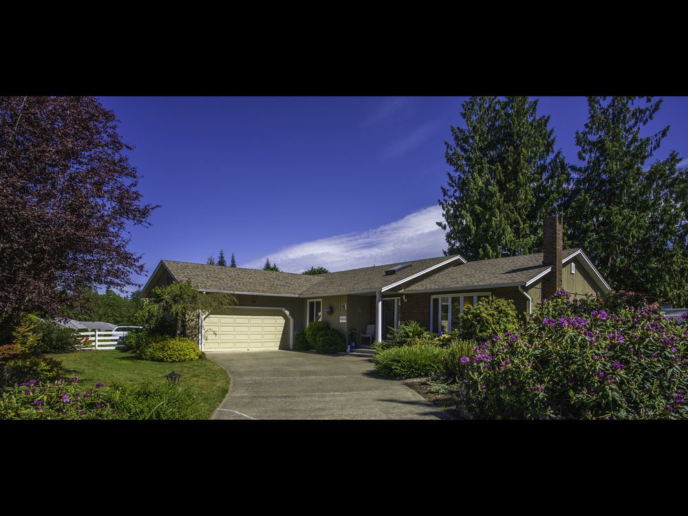 Main Photo: 1160 Wedgewood Close in Eaglecrest: House for sale : MLS®# 408654