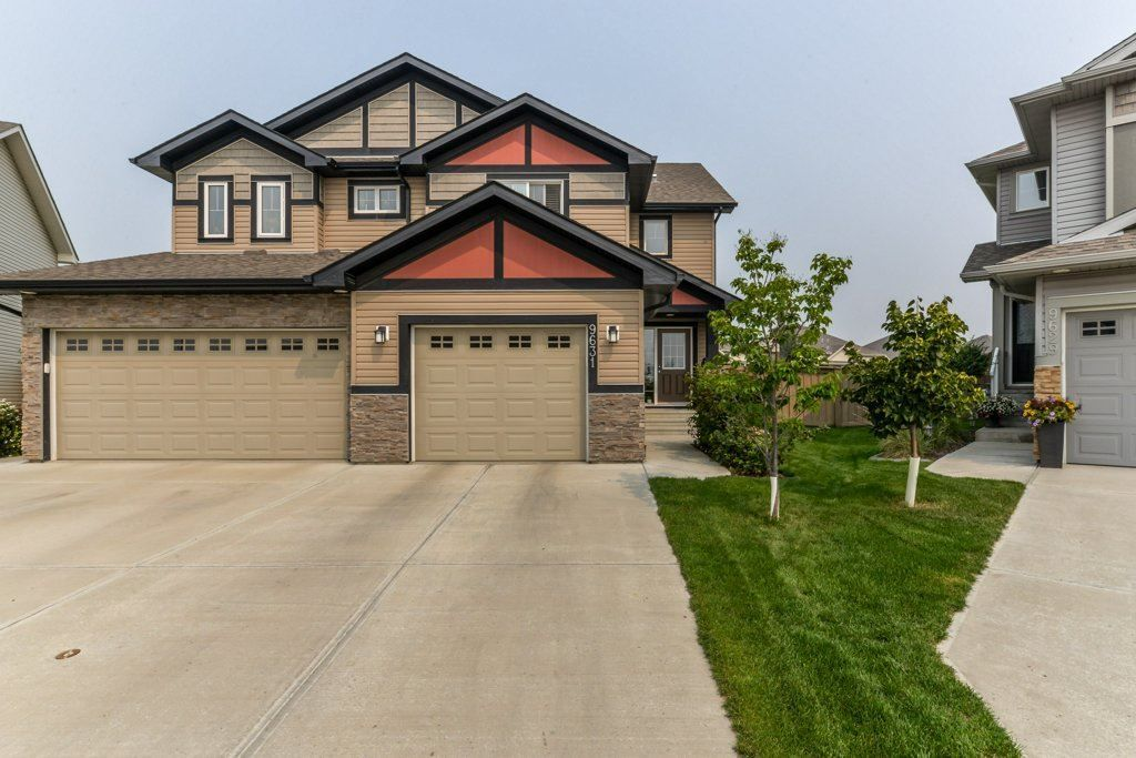 Main Photo: 9631 SIMPSON Place in Edmonton: Zone 14 House Half Duplex for sale : MLS®# E4132207