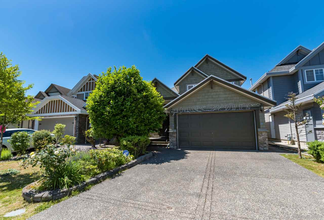 Main Photo: 7251 199A Street in Langley: Willoughby Heights House for sale : MLS®# R2339564