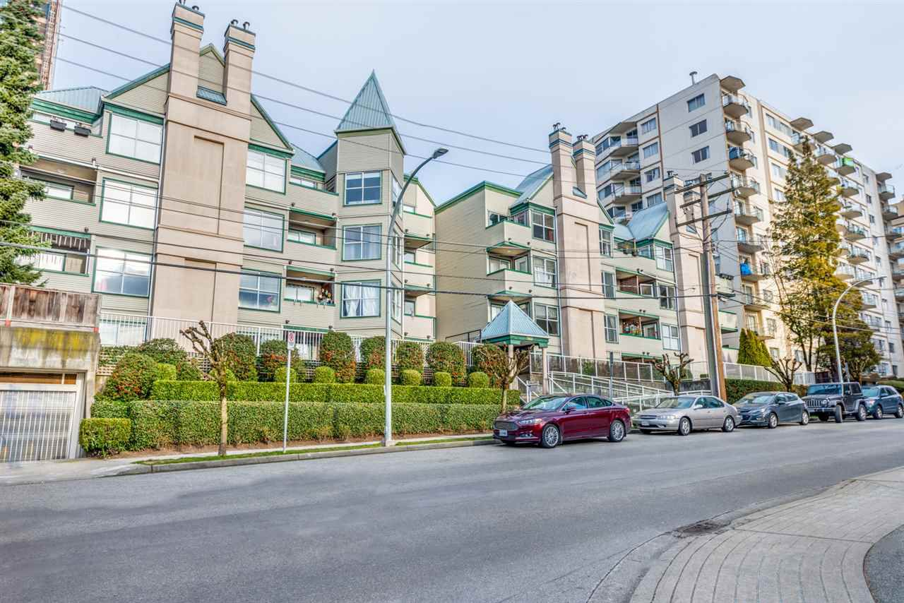 "Main Photo: 107 509 CARNARVON Street in New Westminster: Downtown NW Condo for sale in ""HILLSIDE PLACE"" : MLS®# R2340236"