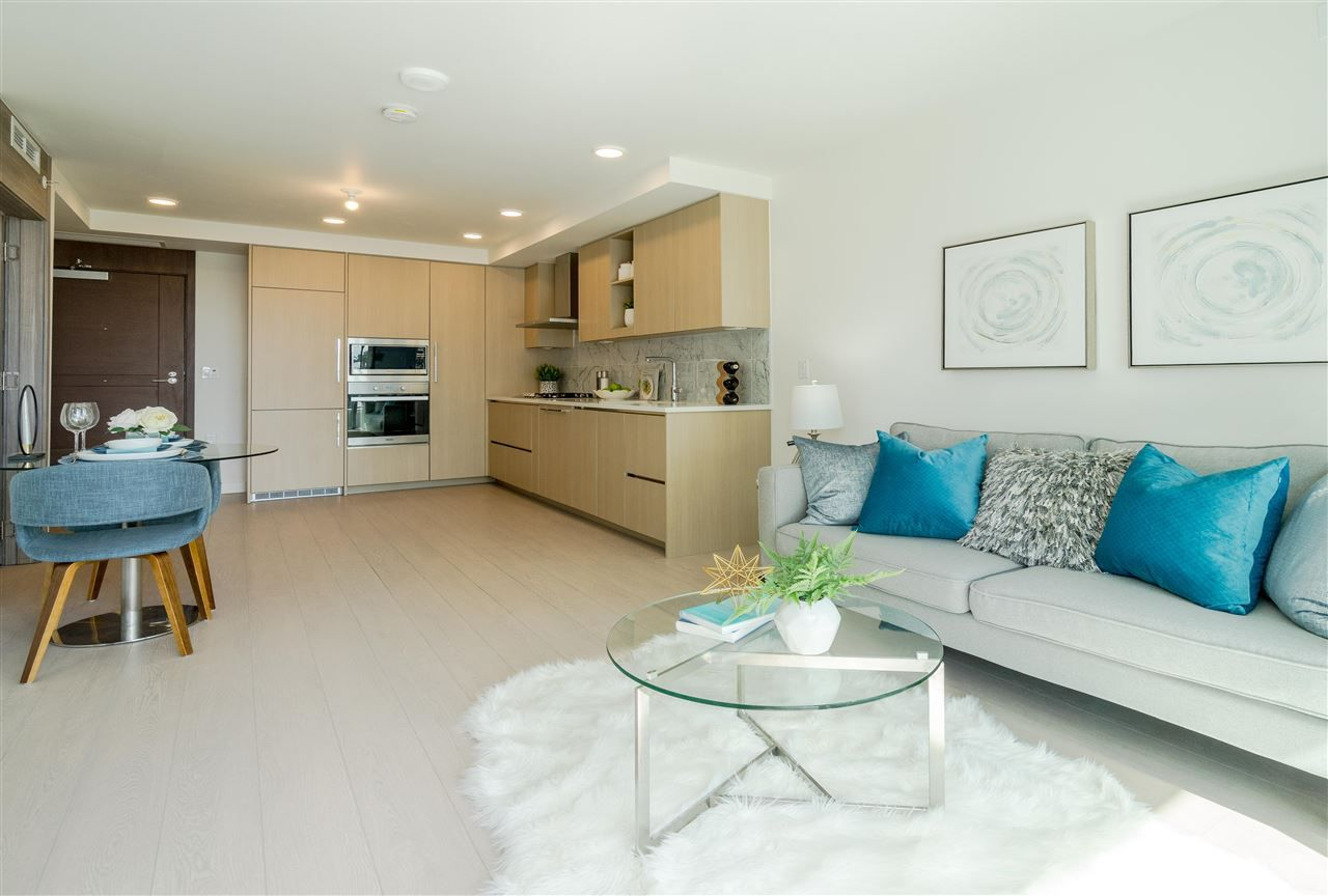 """Main Photo: 311 433 MARINE Drive in Vancouver: Marpole Condo for sale in """"W1 EAST TOWER"""" (Vancouver West)  : MLS®# R2357214"""