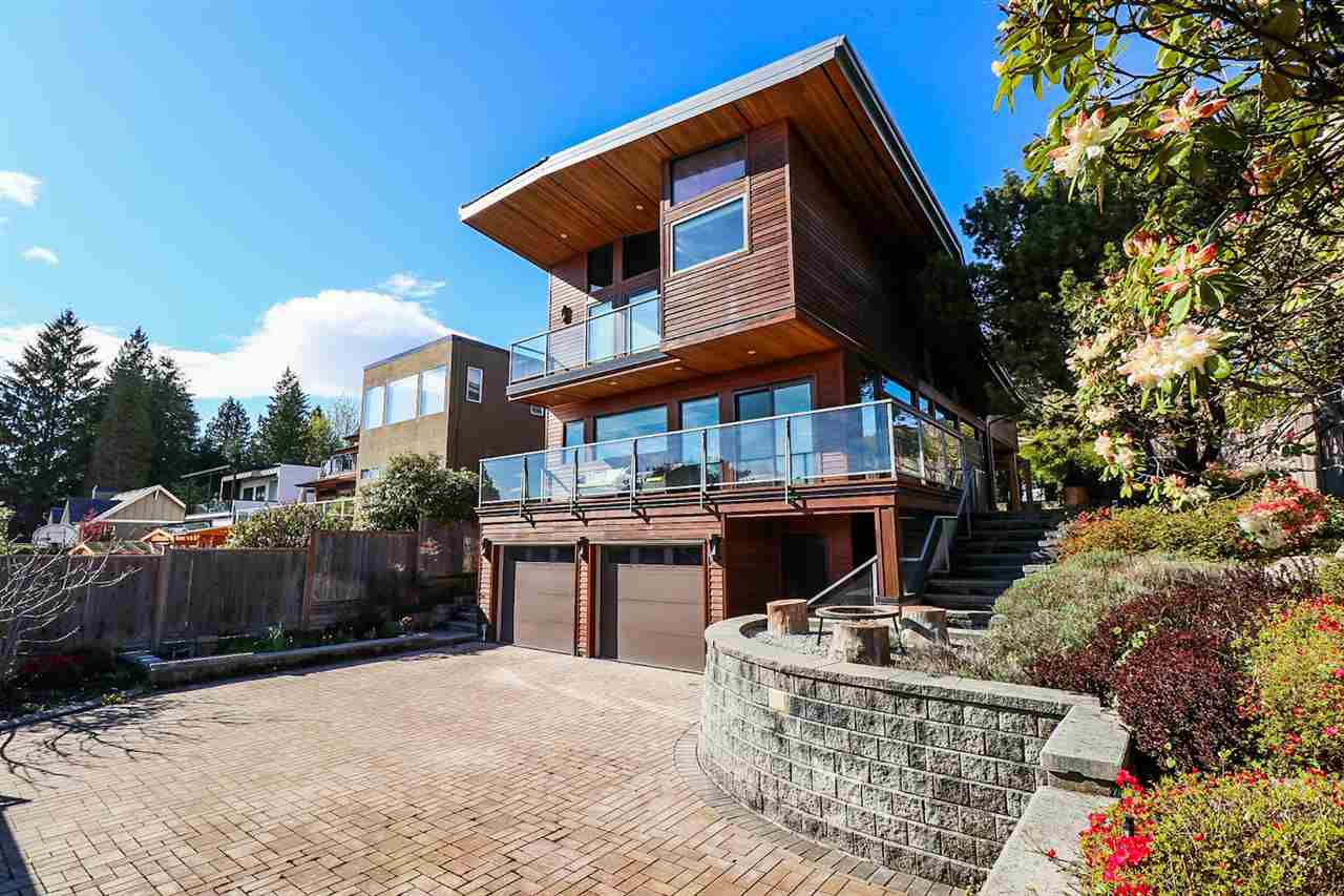 Main Photo: 1506 OTTAWA Avenue in West Vancouver: Ambleside House for sale : MLS®# R2360568