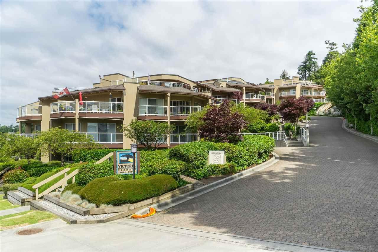 """Main Photo: 302 15015 VICTORIA Avenue: White Rock Condo for sale in """"Victoria Terrace"""" (South Surrey White Rock)  : MLS®# R2378362"""