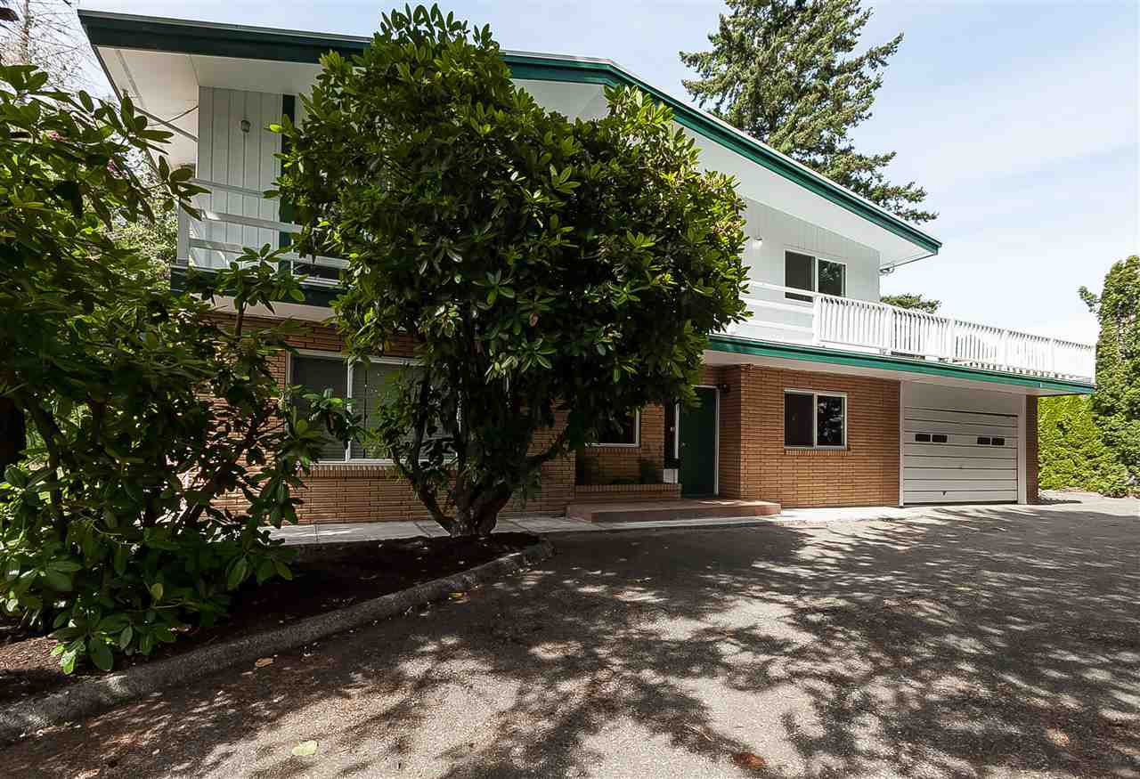Main Photo: 34985 SKYLINE Drive in Abbotsford: Abbotsford East House for sale : MLS®# R2381747