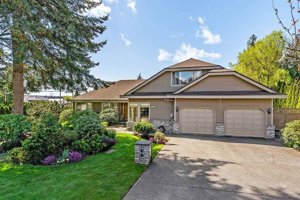 """Main Photo: 5415 186 Street in Surrey: Cloverdale BC House for sale in """"Hunter Park"""" (Cloverdale)  : MLS®# R2386856"""