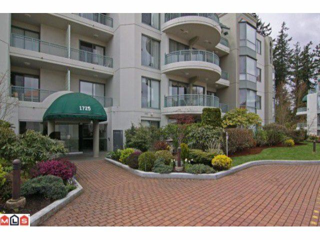 """Main Photo: 405 1725 MARTIN Drive in Surrey: Sunnyside Park Surrey Condo for sale in """"Southwynd"""" (South Surrey White Rock)  : MLS®# F1111139"""