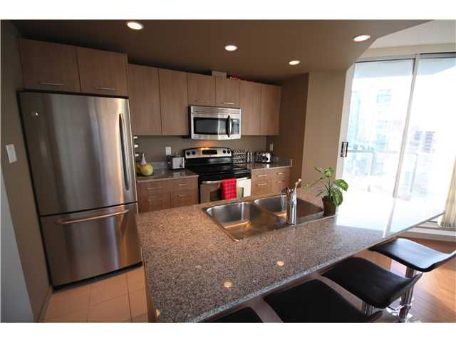 """Main Photo: 1204 1212 HOWE Street in Vancouver: Downtown VW Condo for sale in """"1212 HOWE"""" (Vancouver West)  : MLS®# V924806"""