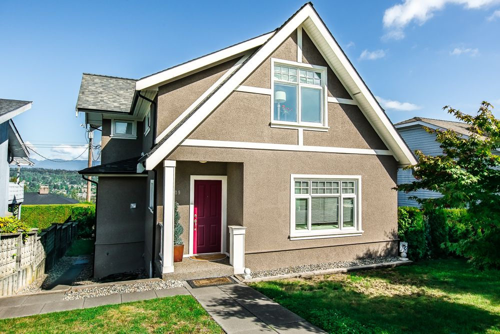 Main Photo: 909 BURNABY Street in New Westminster: The Heights NW House for sale : MLS®# V1086584