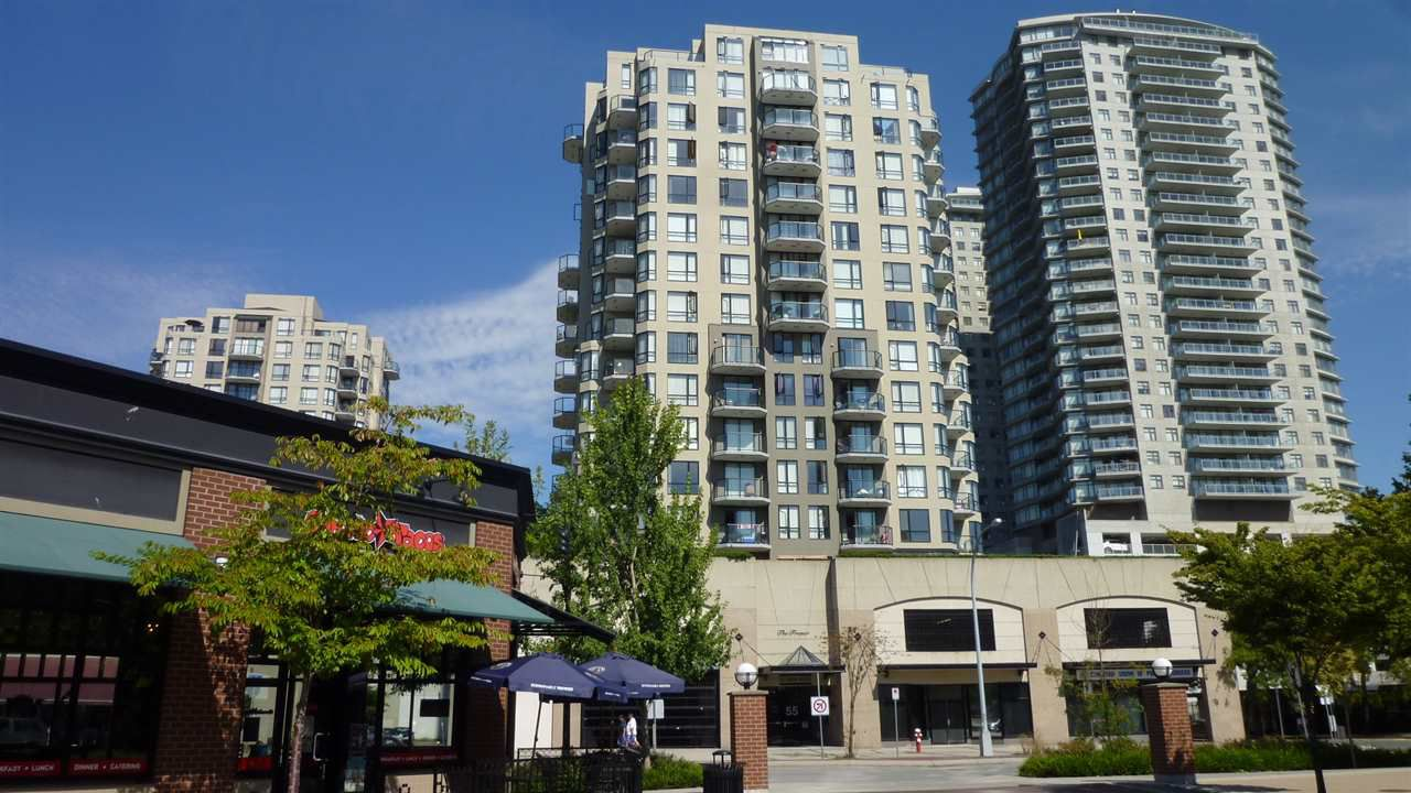 "Main Photo: 705 55 TENTH Street in New Westminster: Downtown NW Condo for sale in ""WESTMINSTER TOWERS"" : MLS®# R2039939"