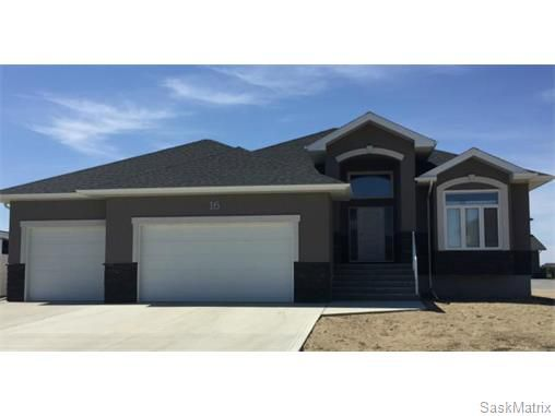 Main Photo: 16 COLLEGE Crescent: White City Single Family Dwelling for sale (Regina NE)  : MLS®# 570333