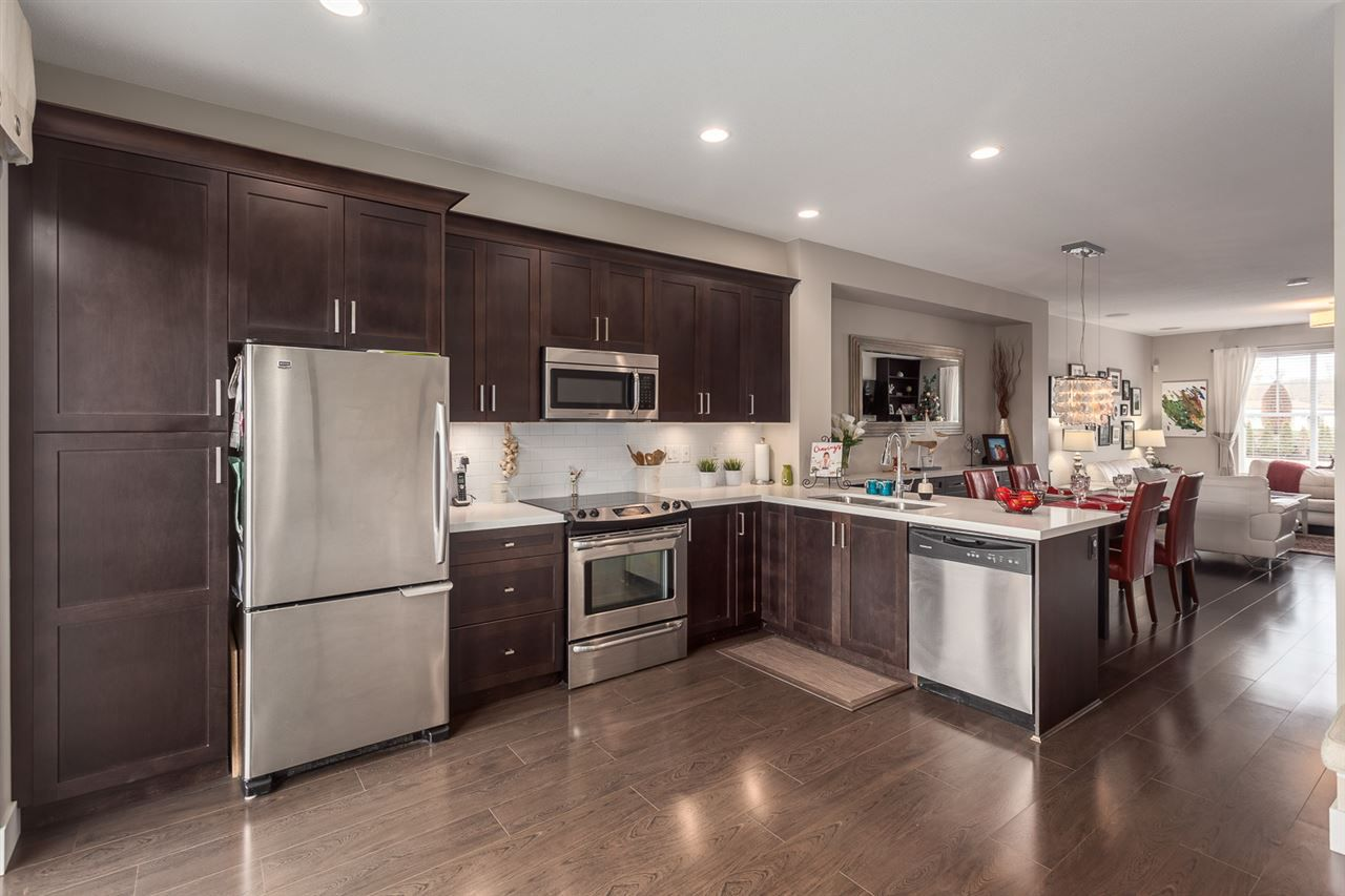 """Main Photo: 6 16228 16 Avenue in Surrey: King George Corridor Townhouse for sale in """"PIER 16"""" (South Surrey White Rock)  : MLS®# R2132050"""