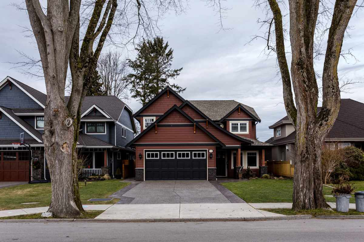 """Main Photo: 5519 GROVE Avenue in Ladner: Hawthorne House for sale in """"HAWTHORNE"""" : MLS®# R2132255"""