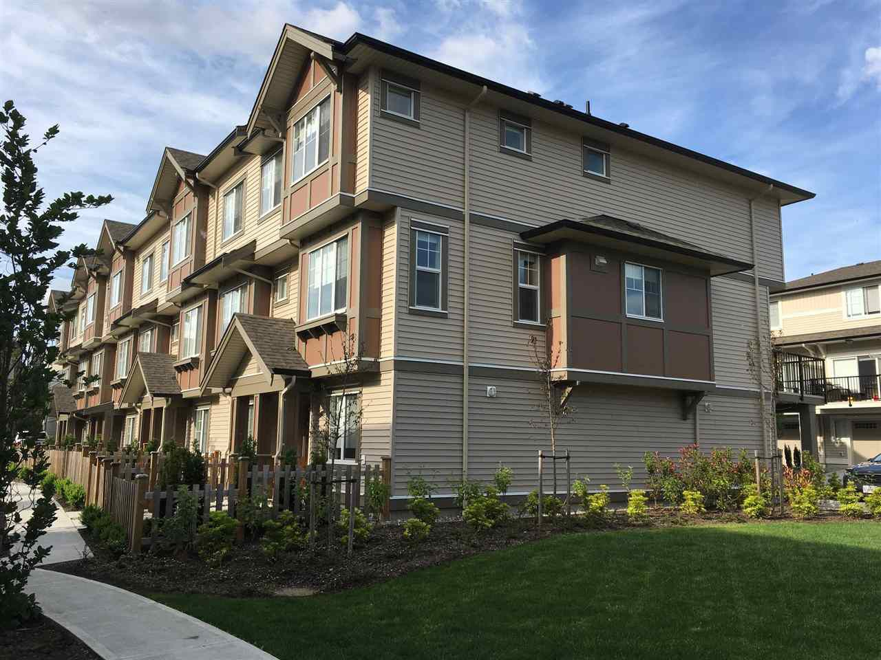 """Main Photo: 145 10151 240 Street in Maple Ridge: Albion Townhouse for sale in """"Albion Station"""" : MLS®# R2173446"""