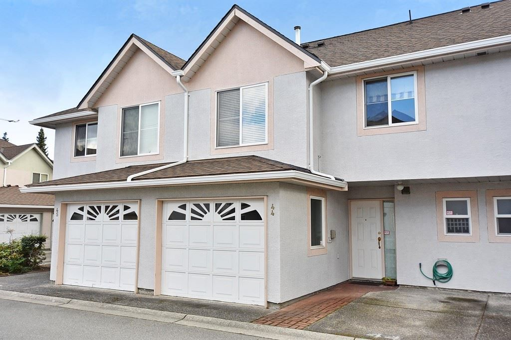 """Main Photo: 44 10080 KILBY Drive in Richmond: West Cambie Townhouse for sale in """"SAVOY GARDENS"""" : MLS®# R2215160"""