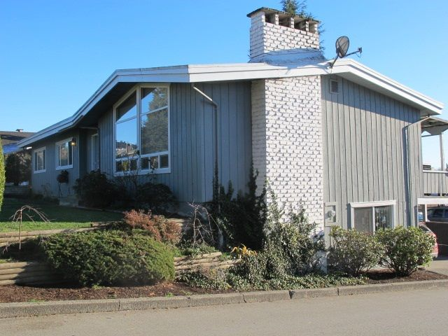 """Main Photo: 36 E TENTH Avenue in New Westminster: The Heights NW House for sale in """"The Heights"""" : MLS®# R2225208"""