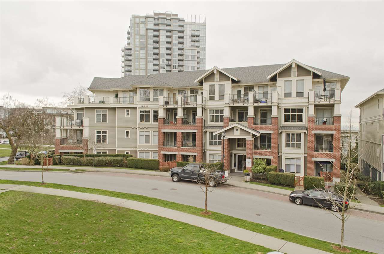 """Main Photo: 109 285 ROSS Drive in New Westminster: Fraserview NW Condo for sale in """"THE GROVE AT VICTORIA HILL"""" : MLS®# R2249644"""