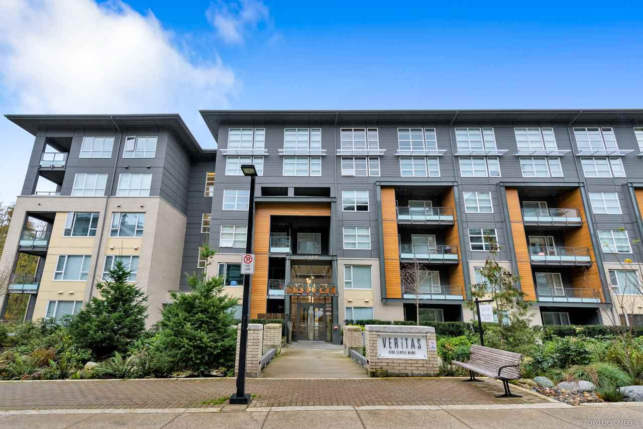 Main Photo: 302 9168 SLOPES Mews in Burnaby: Simon Fraser Univer. Condo for sale (Burnaby North)  : MLS®# R2323428