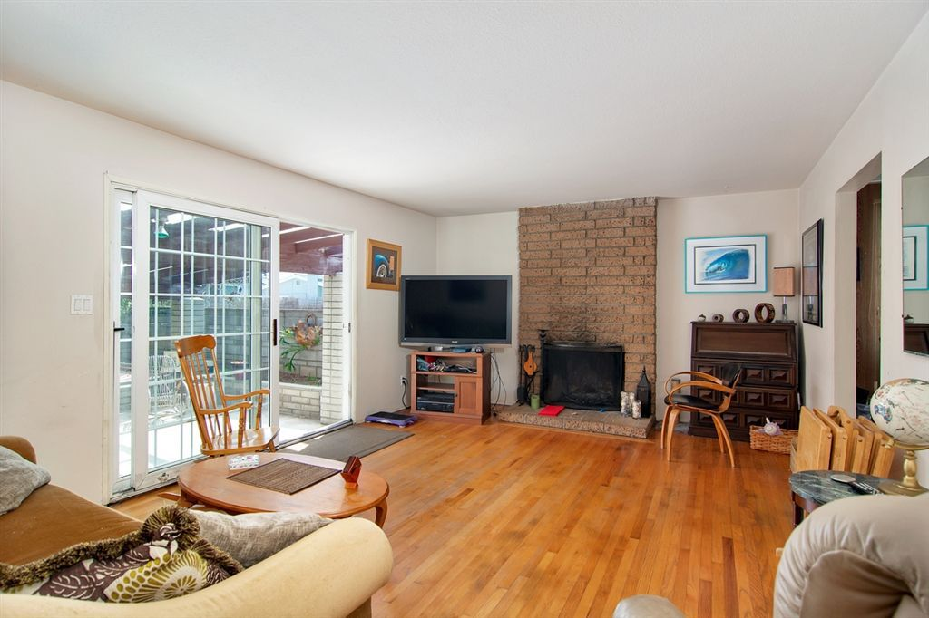 Main Photo: LINDA VISTA House for sale : 3 bedrooms : 3879 Hatton St in San Diego
