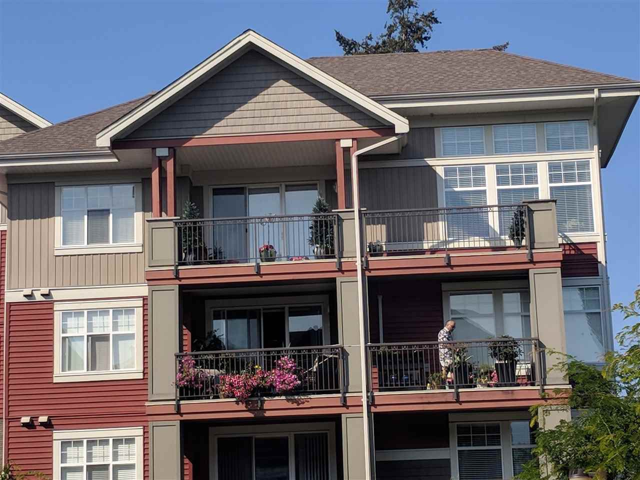 """Main Photo: 401A 45595 TAMIHI Way in Sardis: Vedder S Watson-Promontory Condo for sale in """"The Hartford"""" : MLS®# R2333845"""