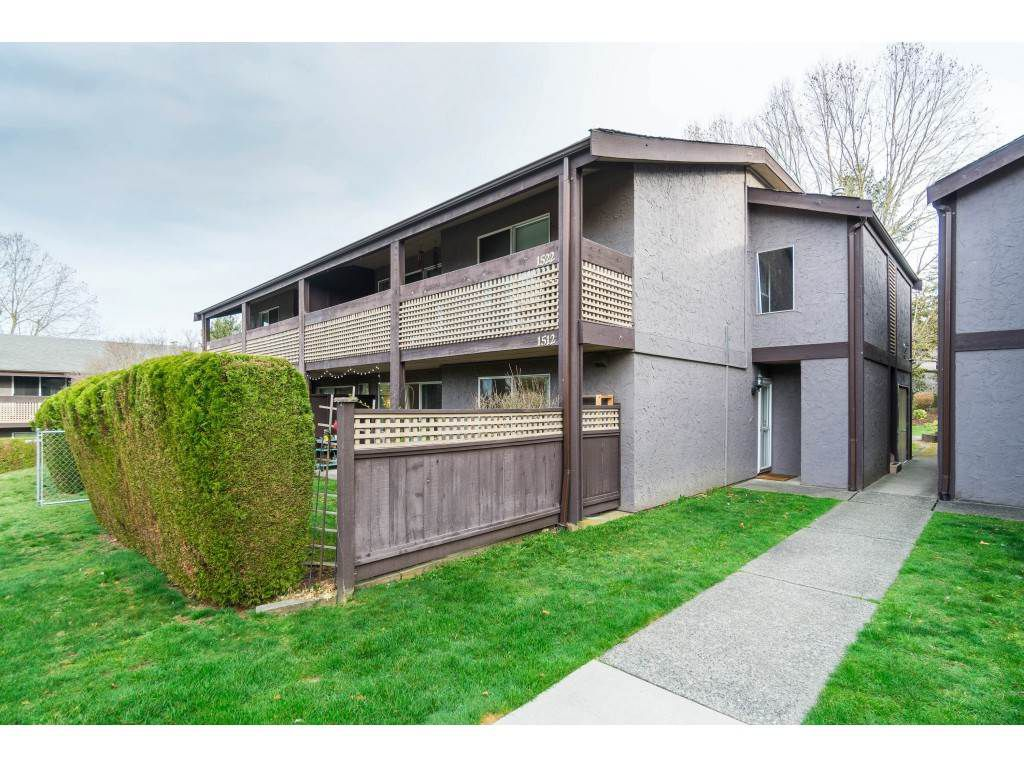 """Main Photo: 1512 34909 OLD YALE Road in Abbotsford: Abbotsford East Condo for sale in """"The Gardens"""" : MLS®# R2353125"""