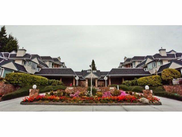 "Main Photo: 208 13965 16TH Avenue in Surrey: Sunnyside Park Surrey Condo for sale in ""WHITE ROCK VILLAGE"" (South Surrey White Rock)  : MLS®# F1445808"