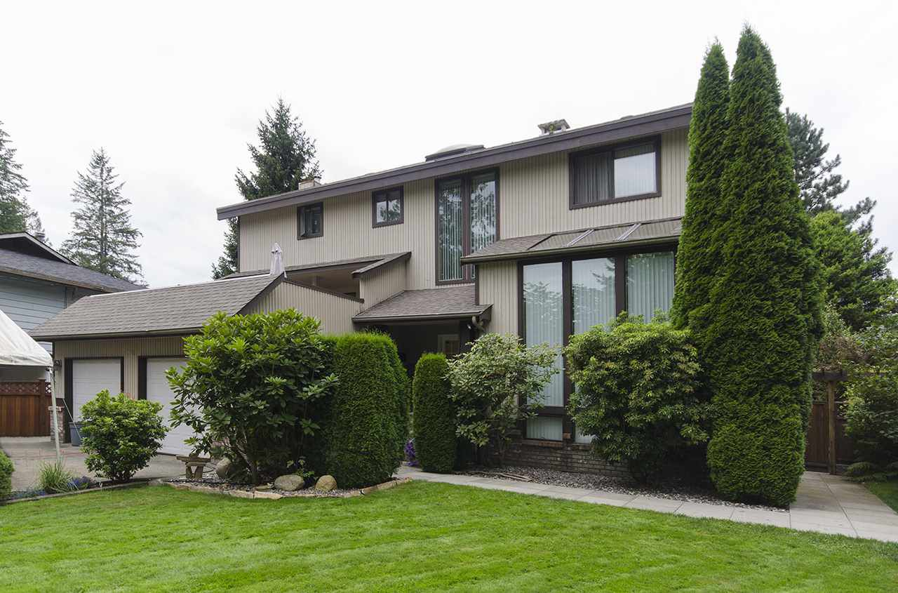 Main Photo: 1940 WESTOVER Road in North Vancouver: Lynn Valley House for sale : MLS®# R2134110