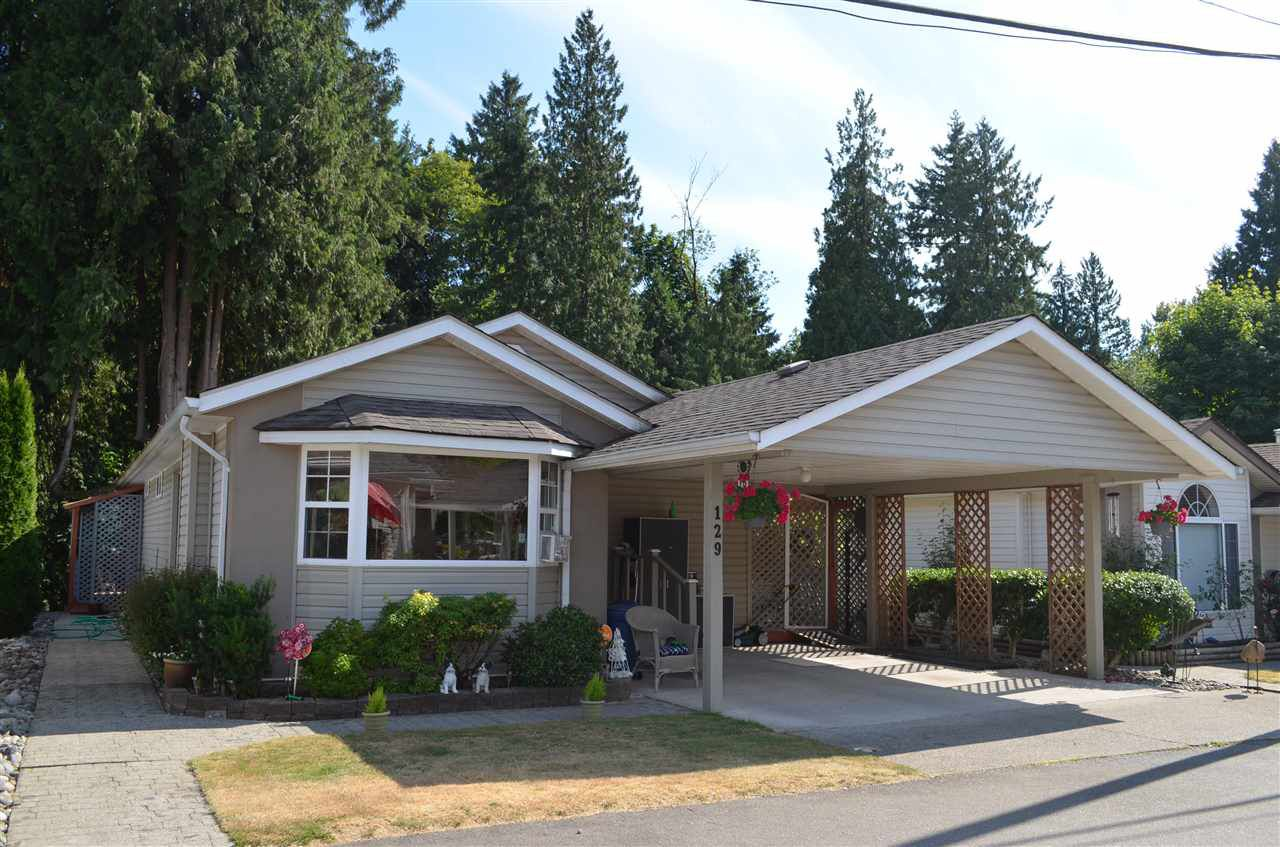 "Main Photo: 129 9080 198 Street in Langley: Walnut Grove Manufactured Home for sale in ""Forest Green Estates"" : MLS®# R2187583"