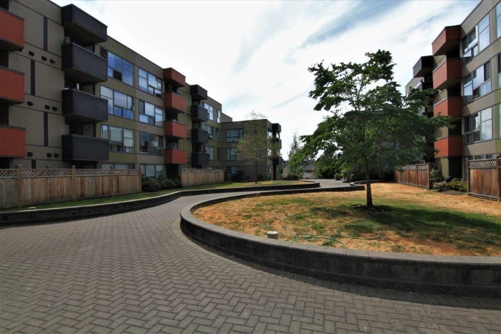 """Main Photo: 410 12075 228TH Street in Maple Ridge: East Central Condo for sale in """"RIO GRANDE"""" : MLS®# R2192665"""