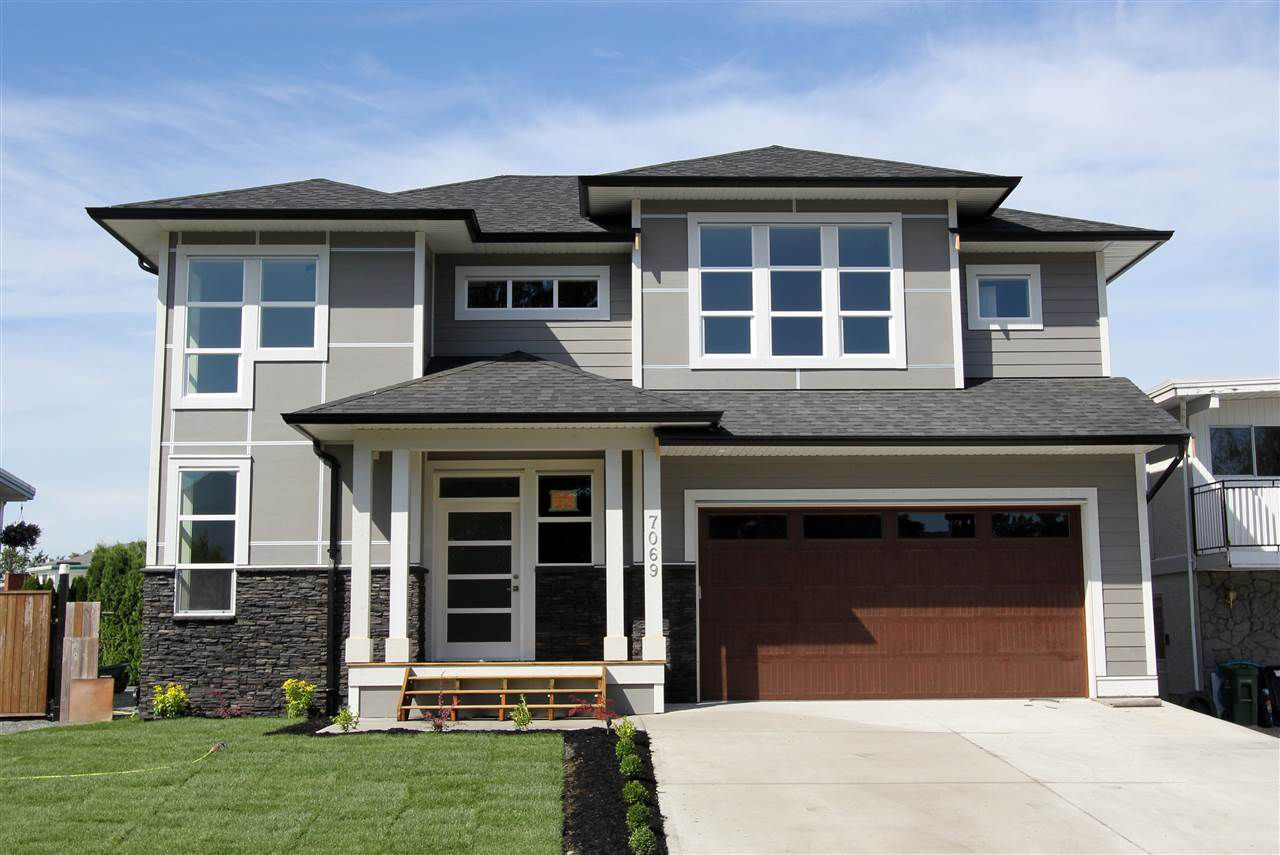 Main Photo: 7069 SESAME Street in Sardis: Sardis East Vedder Rd House for sale : MLS®# R2205408