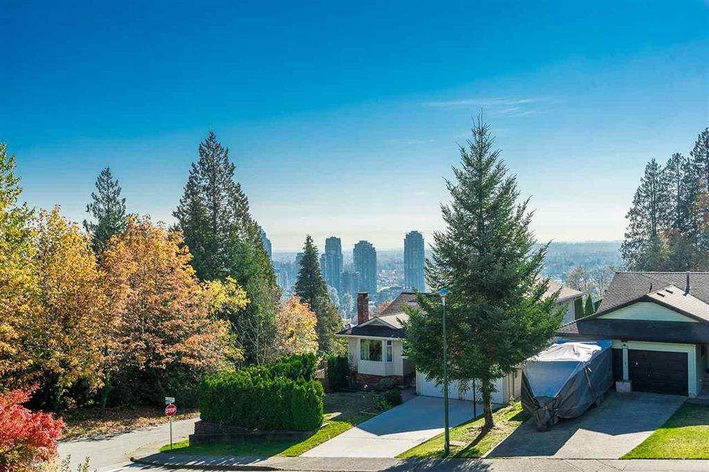 Main Photo: 2639 MCLAUGHLIN Court in Coquitlam: Scott Creek House for sale : MLS®# R2336533