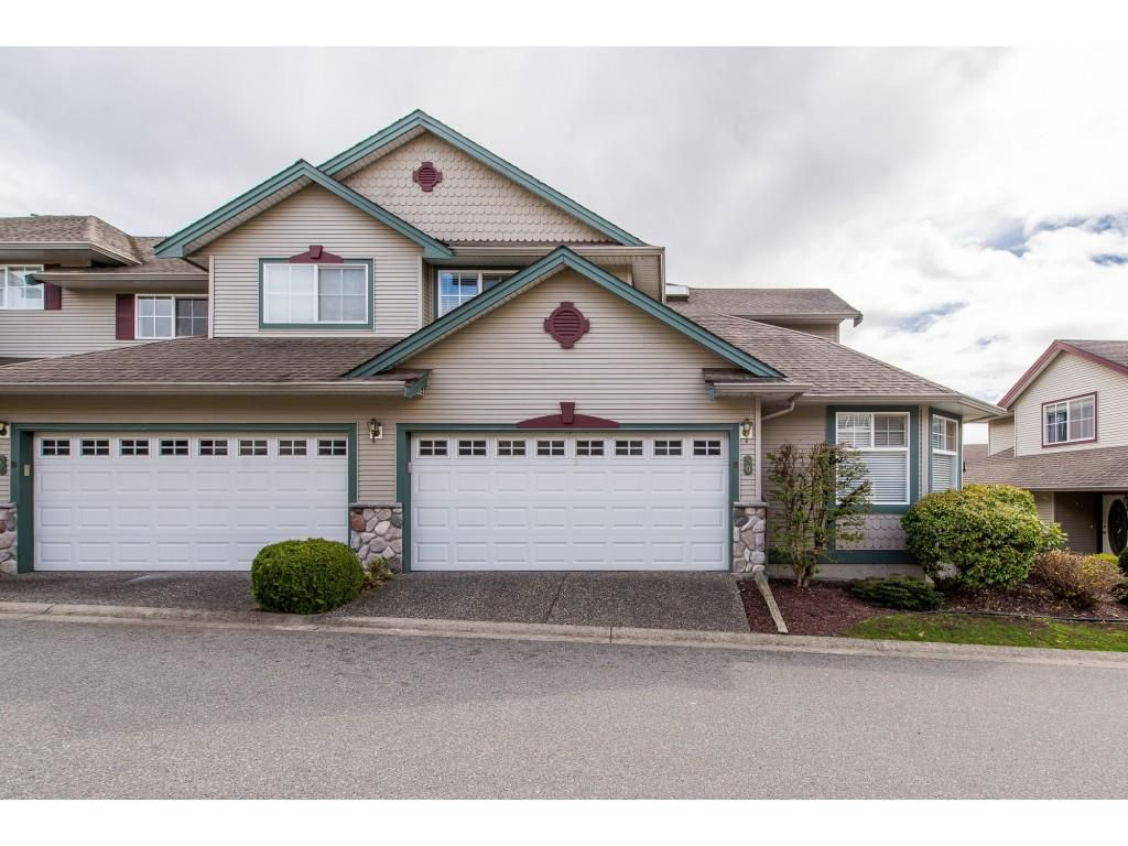 "Main Photo: 50 46360 VALLEYVIEW Road in Sardis: Promontory Townhouse for sale in ""Apple Creek"" : MLS®# R2357020"