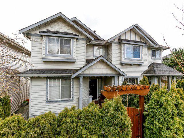 Main Photo: 5852 148TH Street in Surrey: Sullivan Station House 1/2 Duplex for sale : MLS®# F1407622