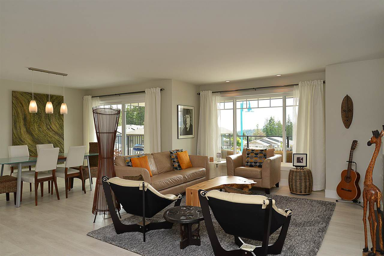 Photo 5: Photos: 6400 HIGGS Crescent in Sechelt: Sechelt District House for sale (Sunshine Coast)  : MLS®# R2072442