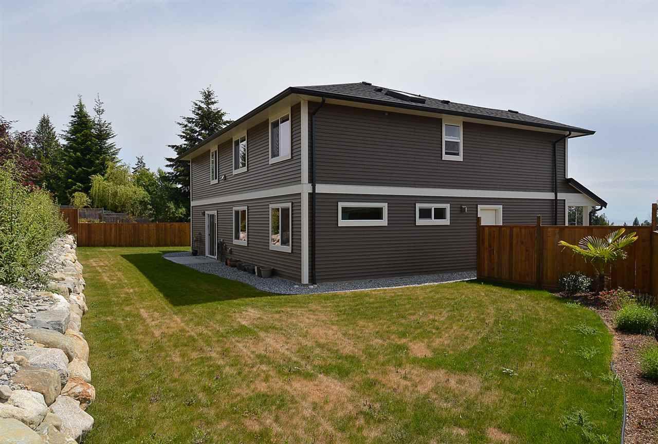 Photo 17: Photos: 6400 HIGGS Crescent in Sechelt: Sechelt District House for sale (Sunshine Coast)  : MLS®# R2072442