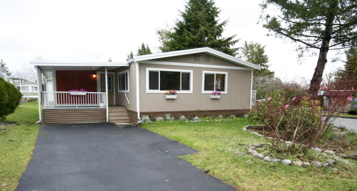 "Main Photo: 13 7850 KING GEORGE Boulevard in Surrey: East Newton Manufactured Home for sale in ""Bear Creek"" : MLS®# R2073883"
