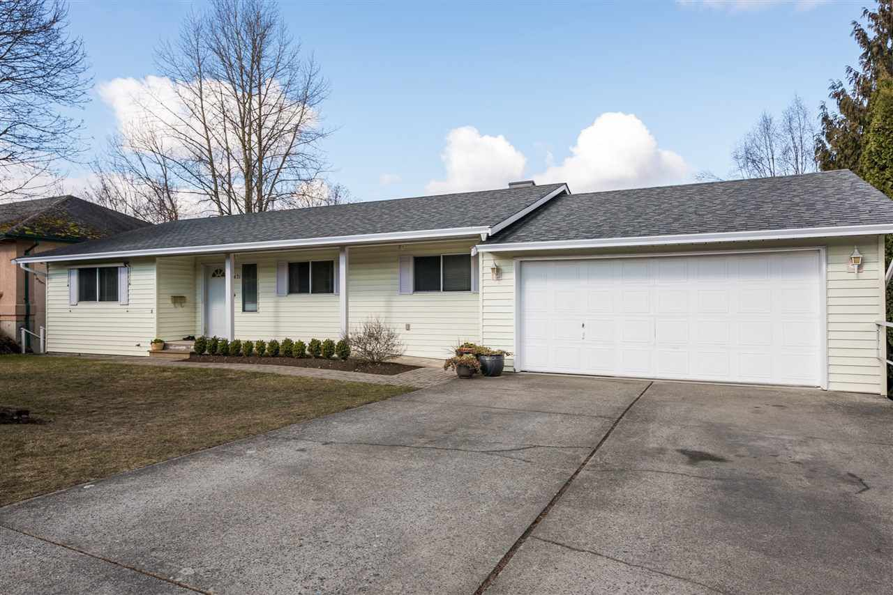 """Main Photo: 34671 BLATCHFORD Way in Abbotsford: Abbotsford East House for sale in """"MCMILLAN"""" : MLS®# R2140996"""