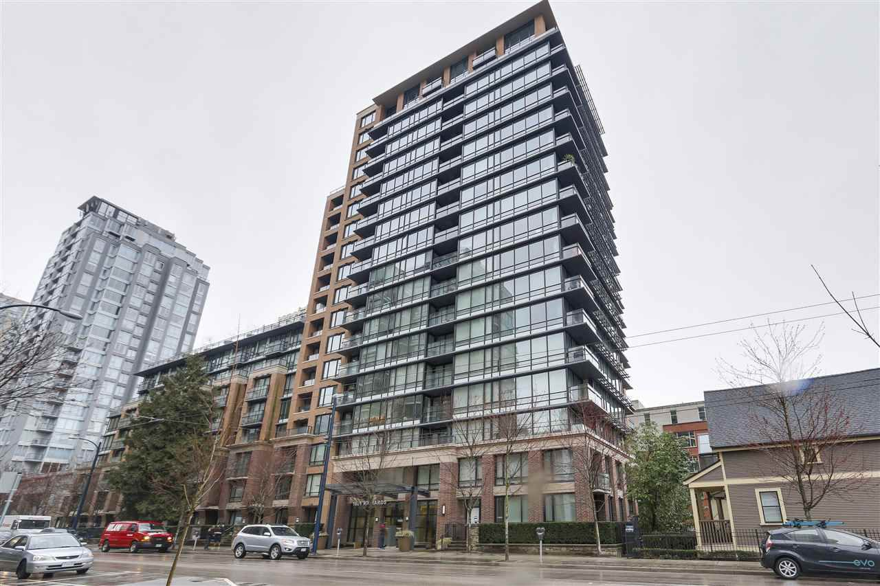 """Main Photo: 620 1088 RICHARDS Street in Vancouver: Yaletown Condo for sale in """"RICHARDS LIVING"""" (Vancouver West)  : MLS®# R2154571"""