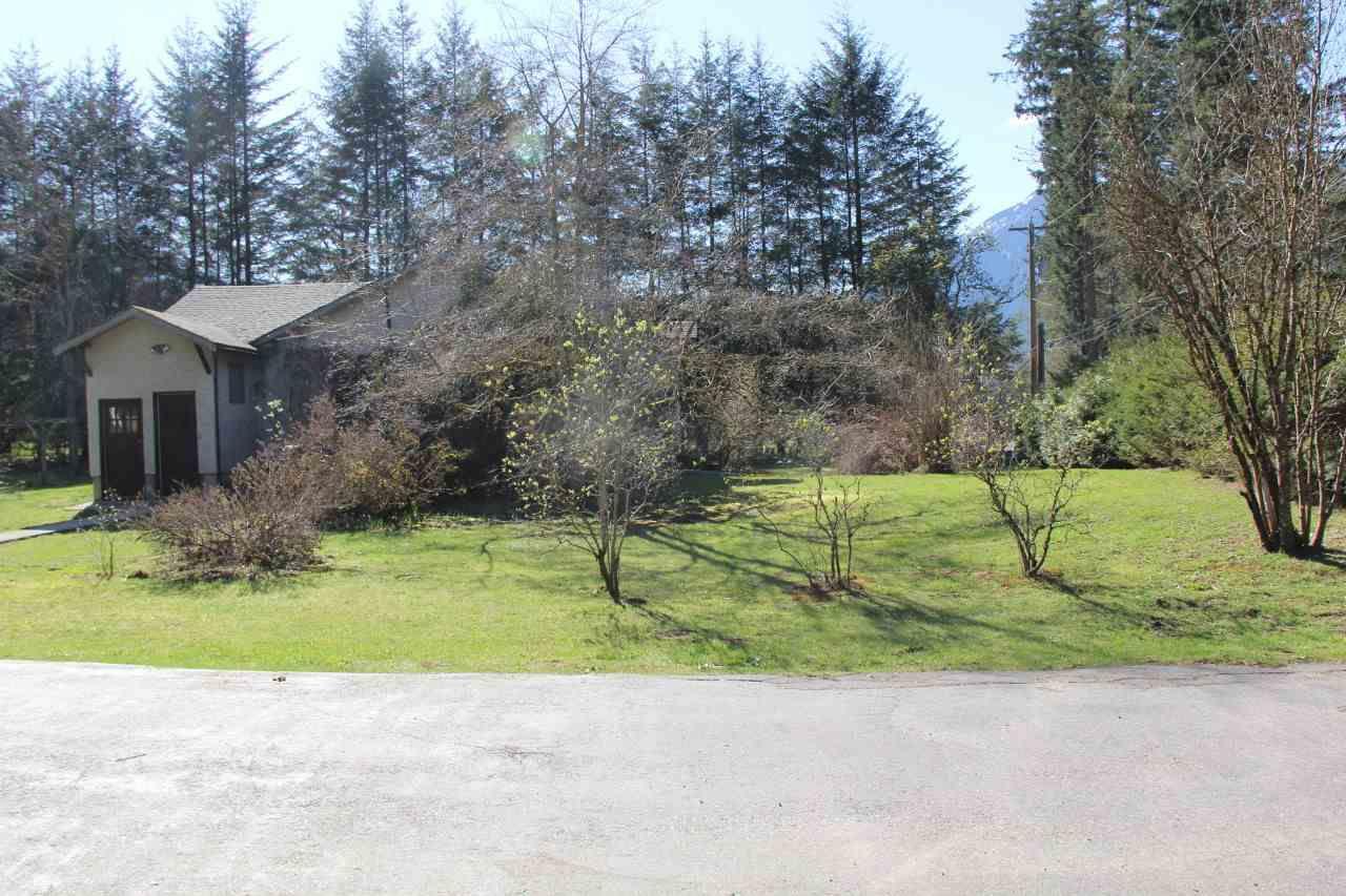 Main Photo: 65936 KAWKAWA LAKE Road in Hope: Hope Kawkawa Lake House for sale : MLS®# R2162429