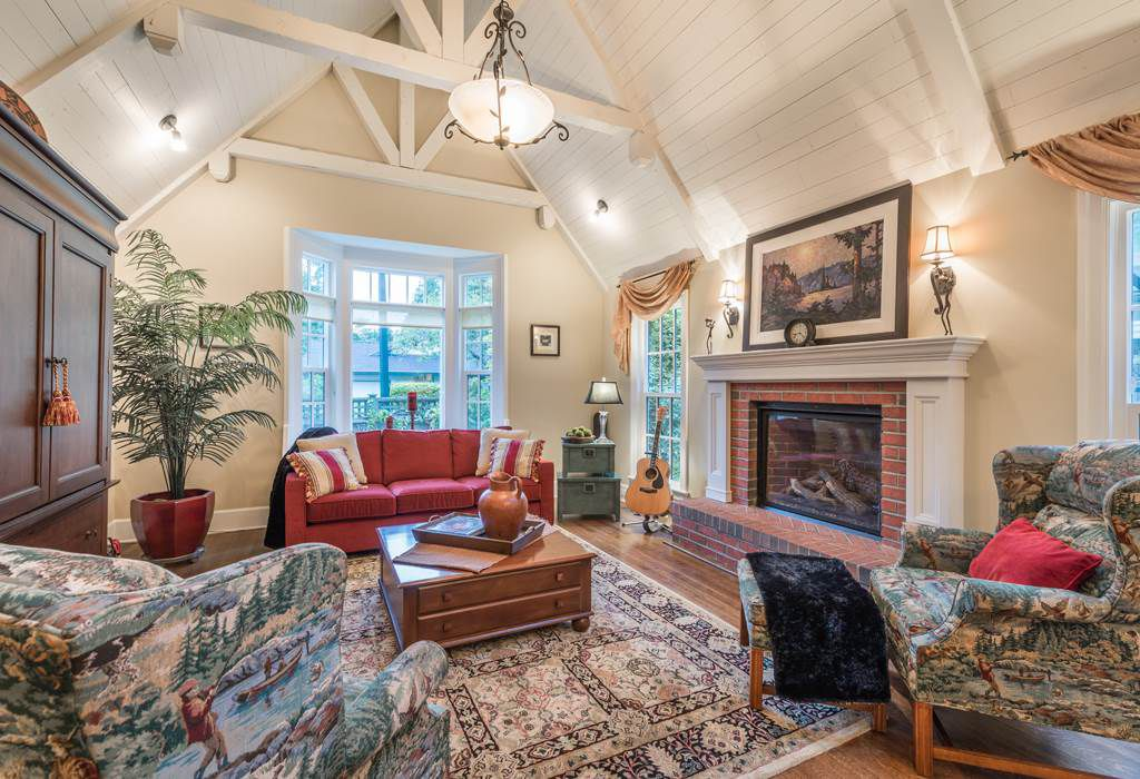 """Main Photo: 13345 AMBLE WOOD Drive in Surrey: Crescent Bch Ocean Pk. House for sale in """"Amble Greene"""" (South Surrey White Rock)  : MLS®# R2178473"""