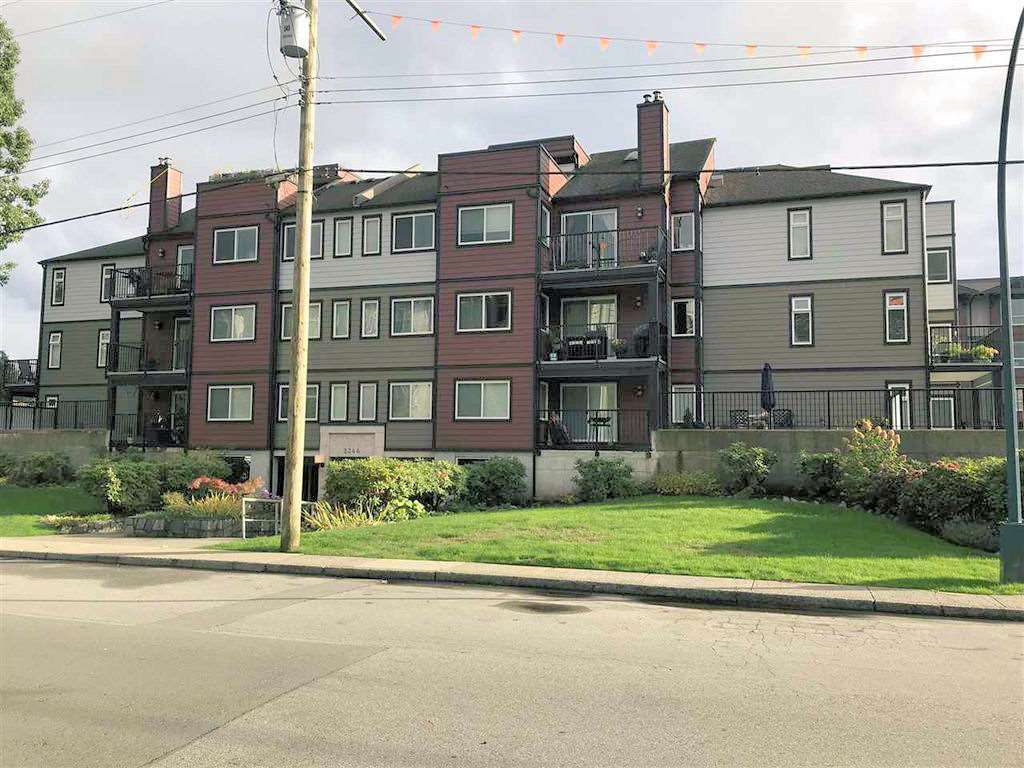 Main Photo: 301 2344 ATKINS Avenue in Port Coquitlam: Central Pt Coquitlam Condo for sale : MLS®# R2331580