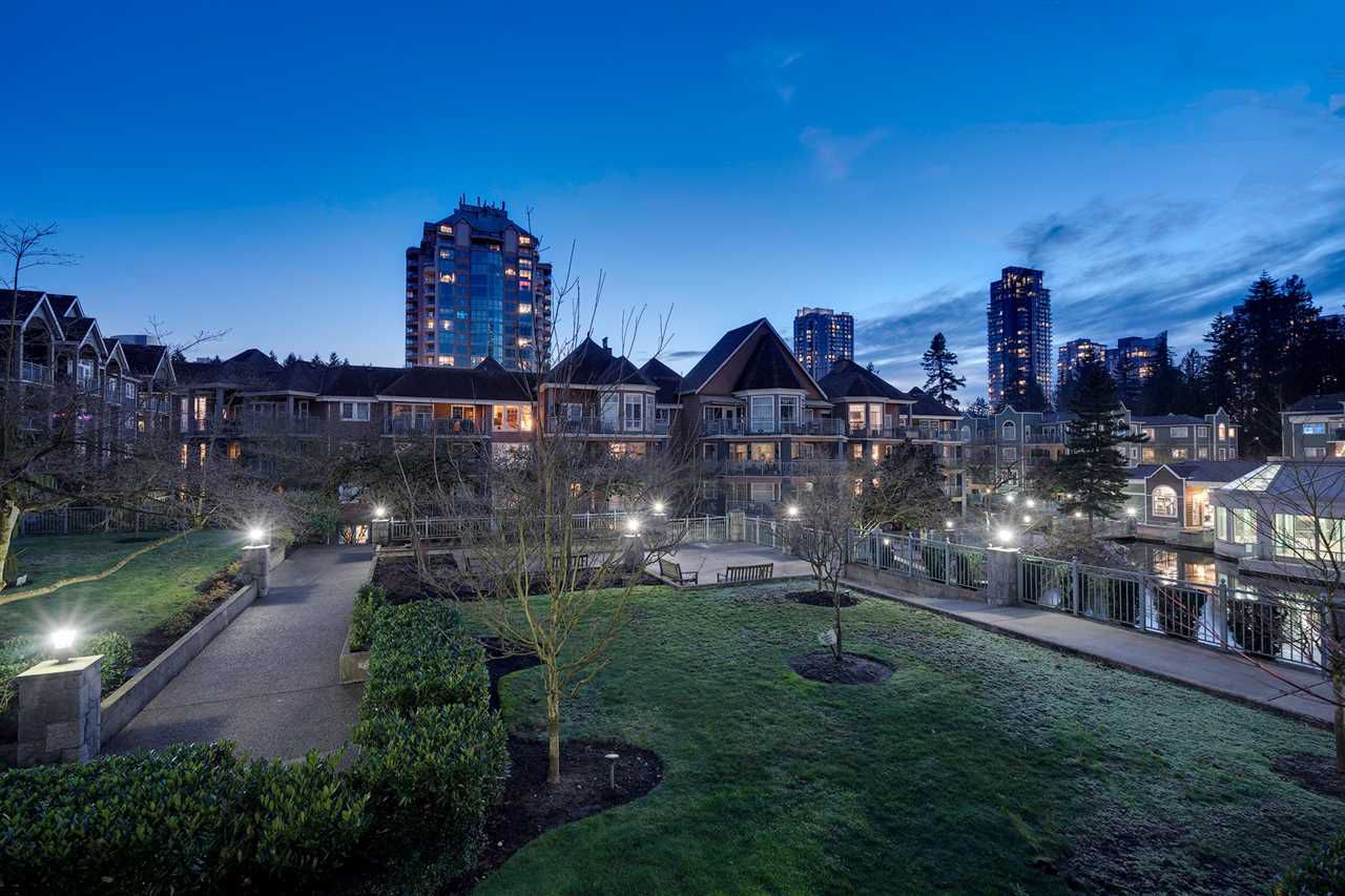"""Main Photo: 214 1200 EASTWOOD Street in Coquitlam: North Coquitlam Condo for sale in """"LAKESIDE TERRACE"""" : MLS®# R2333096"""