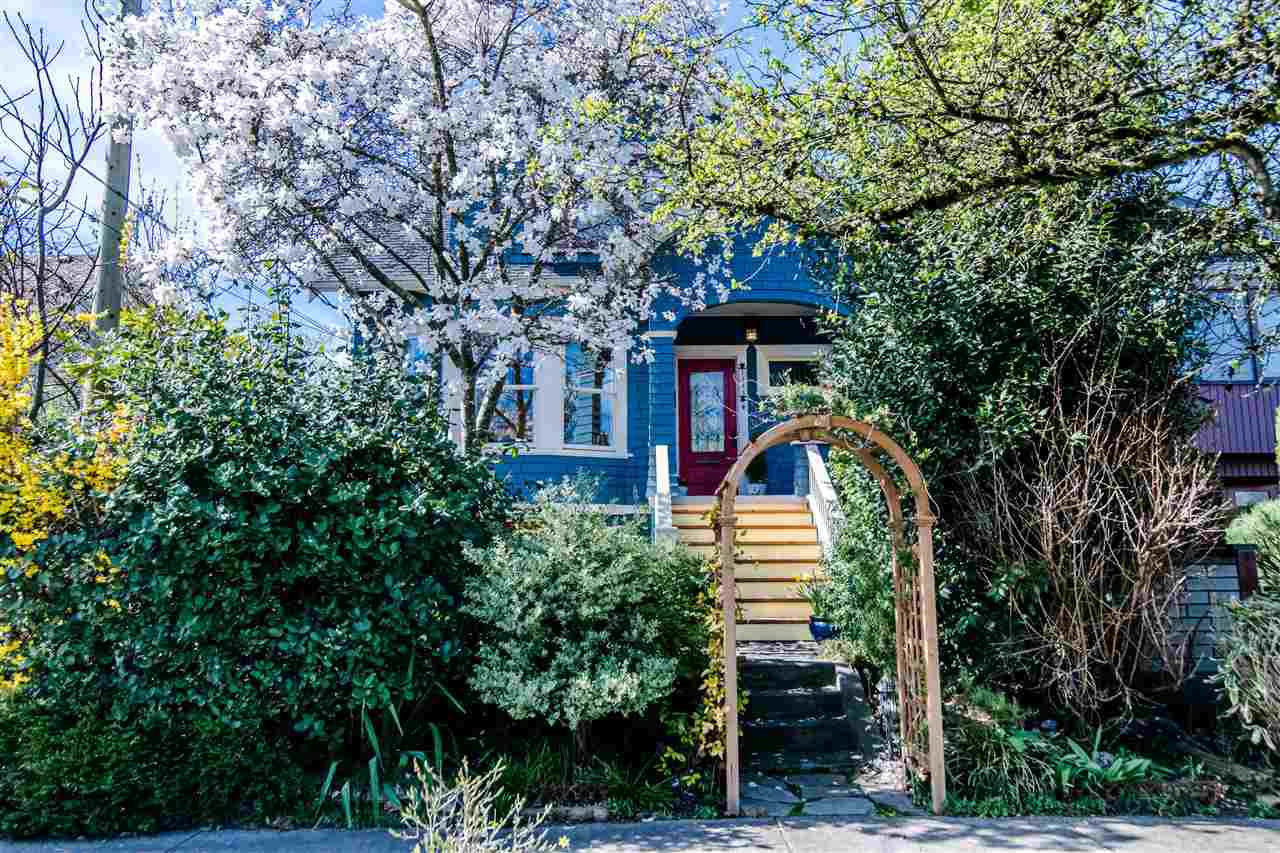 Main Photo: 1343 LAKEWOOD Drive in Vancouver: Grandview VE House for sale (Vancouver East)  : MLS®# R2356069