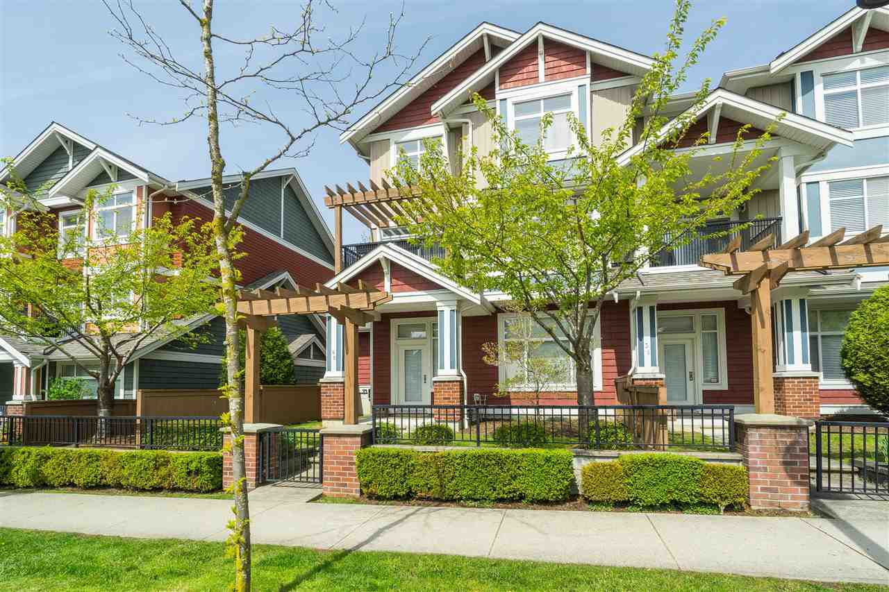 """Main Photo: 40 6036 164 Street in Surrey: Cloverdale BC Townhouse for sale in """"ARBOUR VILLAGE"""" (Cloverdale)  : MLS®# R2363902"""