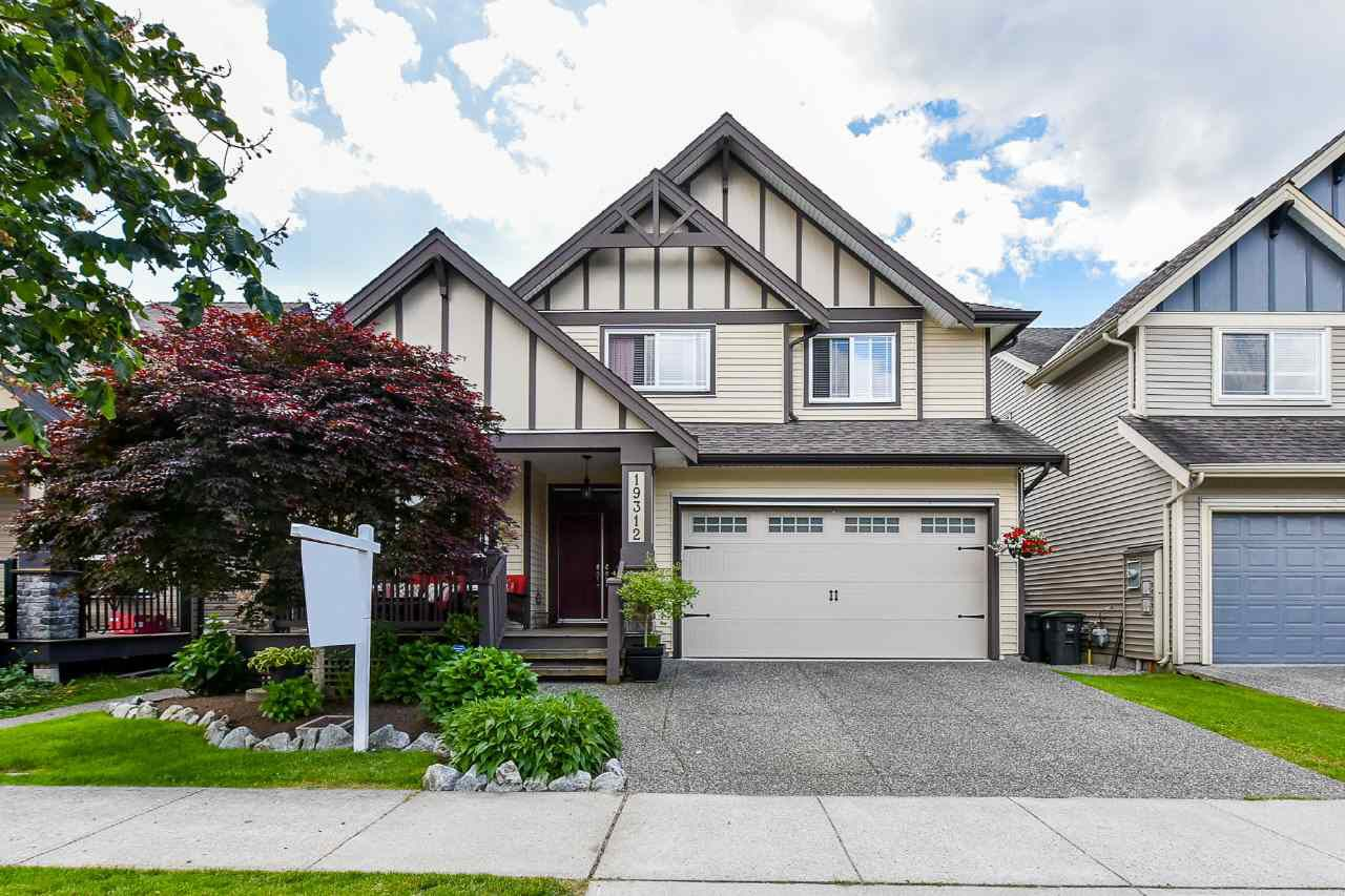 "Main Photo: 19312 73B Avenue in Surrey: Clayton House for sale in ""WYNDHAM LANE"" (Cloverdale)  : MLS®# R2378717"