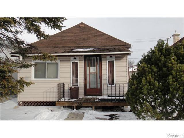 Main Photo: 231 Royal Avenue in WINNIPEG: West Kildonan / Garden City Residential for sale (North West Winnipeg)  : MLS®# 1530810