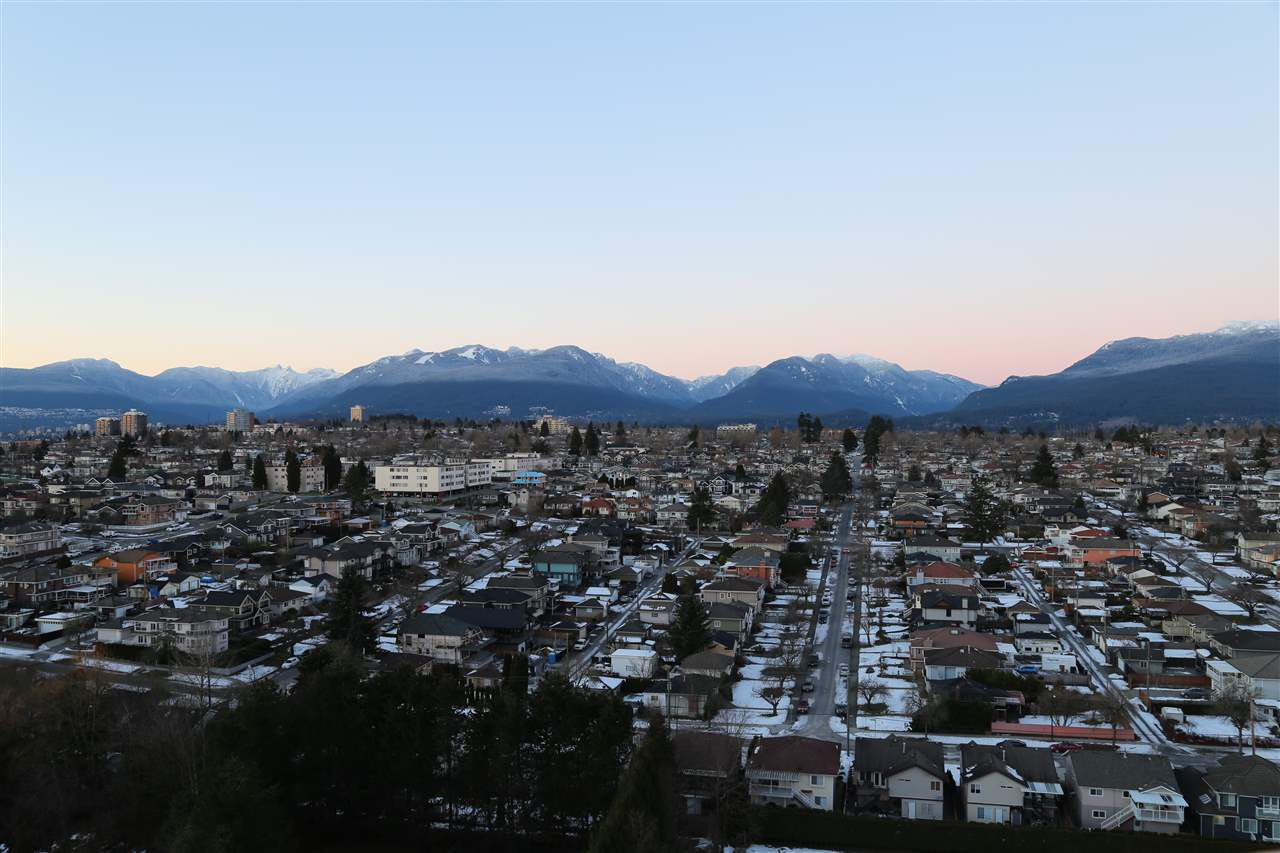 """Main Photo: 2006 4425 HALIFAX Street in Burnaby: Brentwood Park Condo for sale in """"THE POLARIS"""" (Burnaby North)  : MLS®# R2130766"""