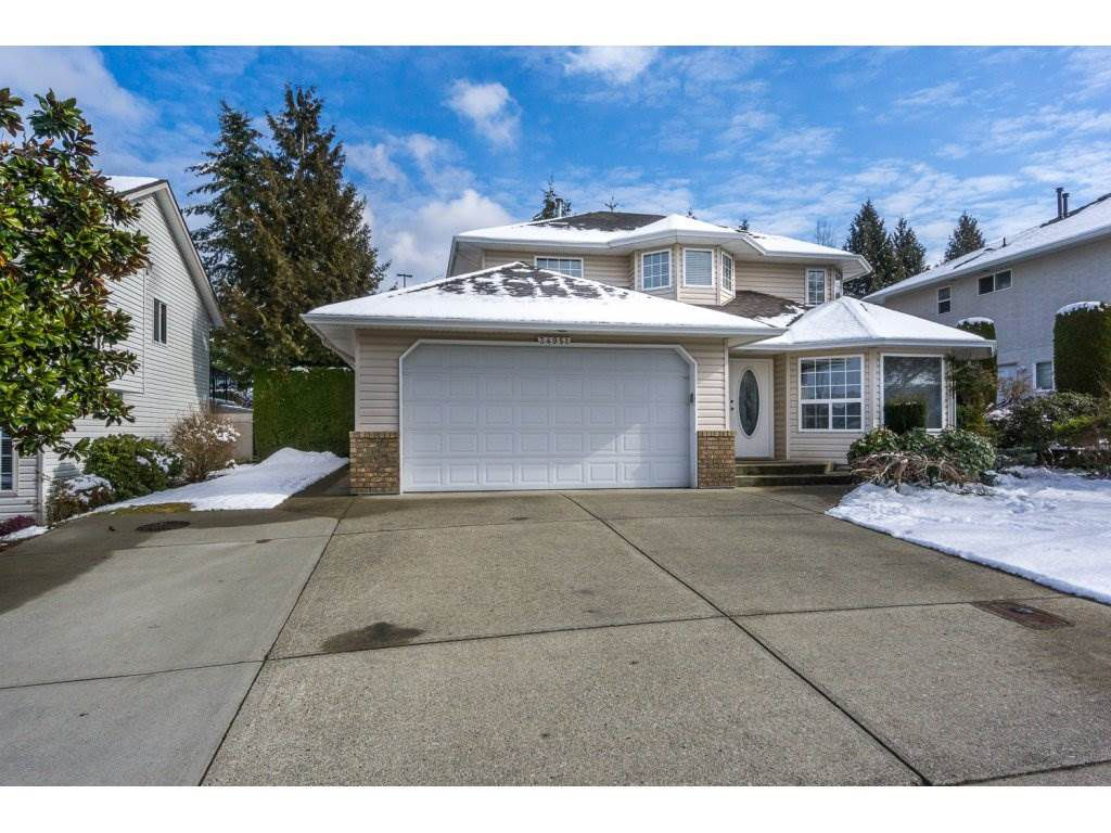 Main Photo: 34951 MILLAR Crescent in Abbotsford: Abbotsford East House for sale : MLS®# R2142538