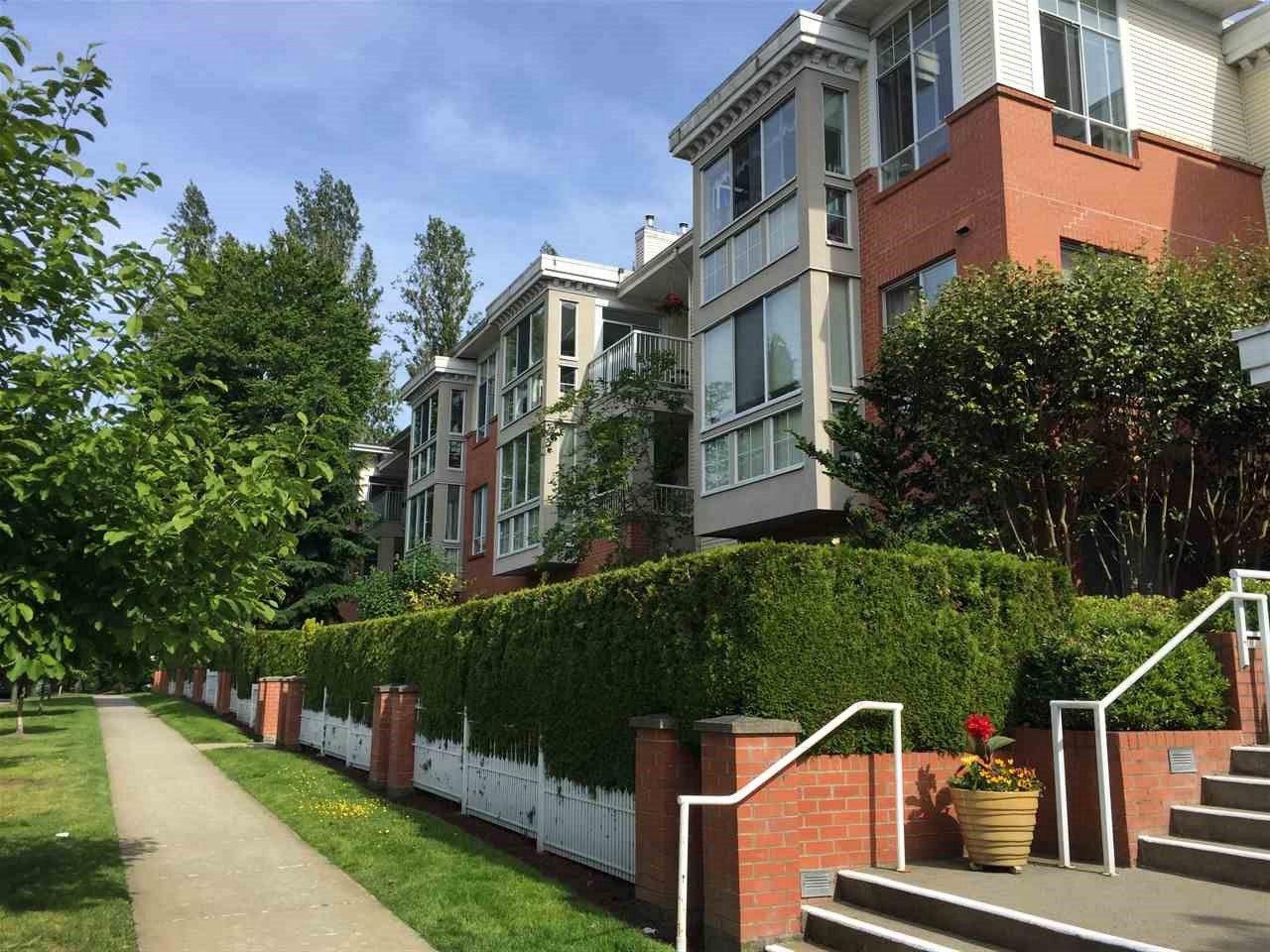 """Main Photo: 403 360 E 36TH Avenue in Vancouver: Main Condo for sale in """"Magnolia Gate"""" (Vancouver East)  : MLS®# R2177901"""