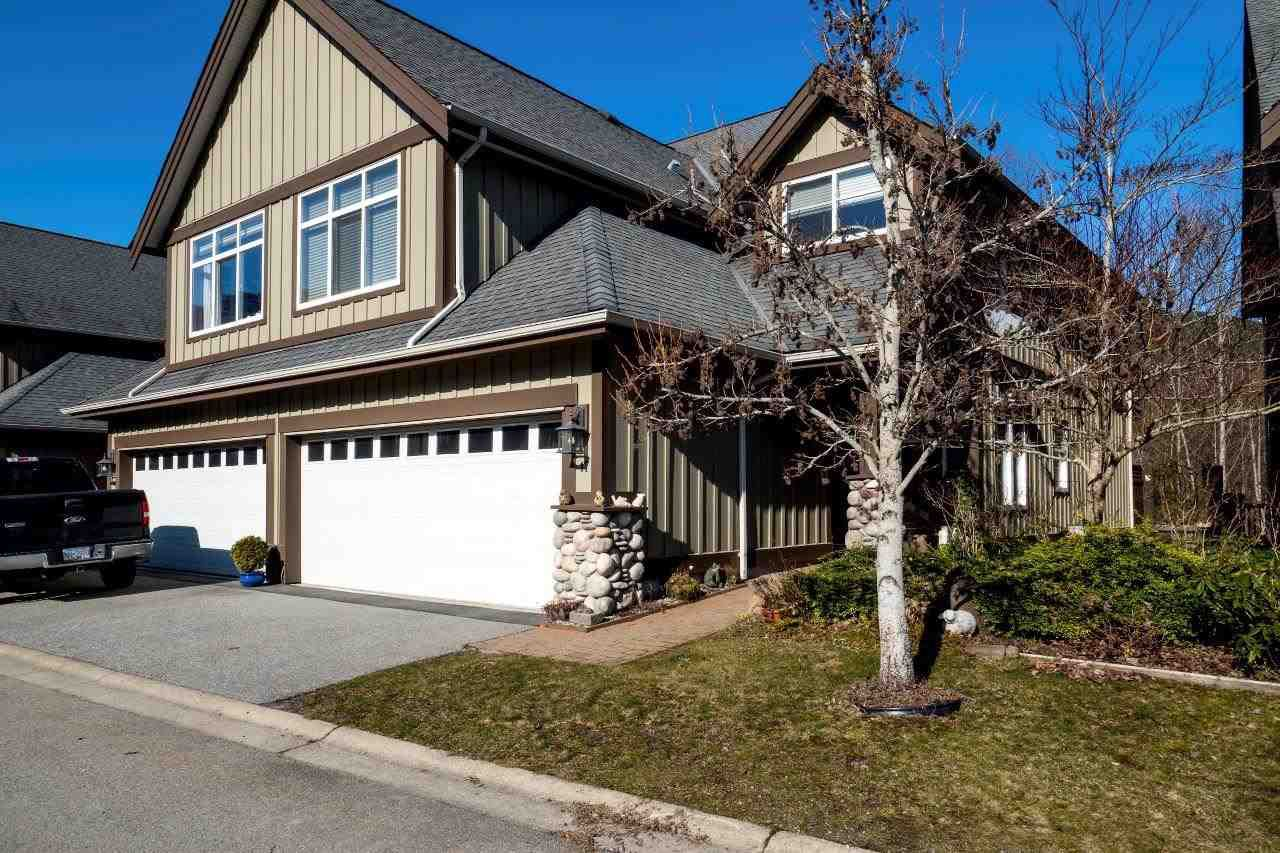 """Main Photo: 17 40750 TANTALUS Road in Squamish: Tantalus Townhouse for sale in """"MEIGHAN CREEK ESTATES"""" : MLS®# R2246804"""