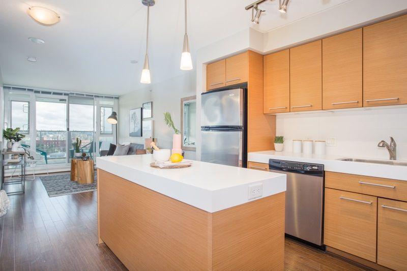 "Main Photo: 906 2770 SOPHIA Street in Vancouver: Mount Pleasant VE Condo for sale in ""Stella"" (Vancouver East)  : MLS®# R2255051"